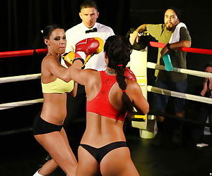 Boxing girls Eva Lovia and Peta Jensen jack off the..