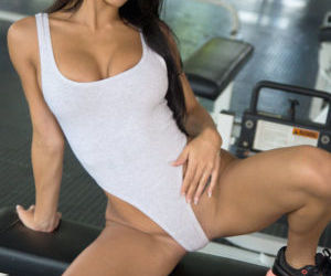 Latina model Denisse Gomez undressing in gym for fingering..