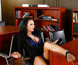 Dirty office milf Alektra Blue adores playing role of sexy..
