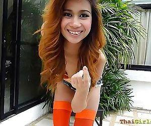 Super Geweldig hot thaise tiener gaat buiten dansen resultaat