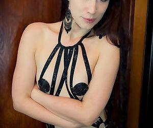Prachtig godin brookelynne briar boeit in zwart