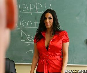 MILF teacher with huge boobs Veronica Rayne shows a lesson..