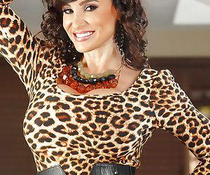 Glamorous mature brunette Lisa Ann shows her outstanding..
