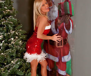 Amateur hot blonde Madden in Christmas costume teasing in..