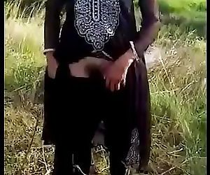 Indian young girl show hairy..