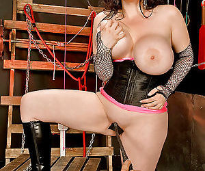 Chesty MILF BDSM..