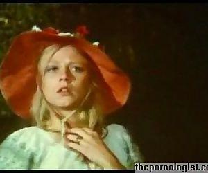 Blonde Anna Magle gets..