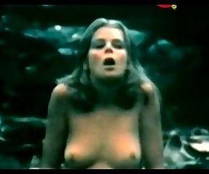 Kristine DeBell in Alice in Wonderland