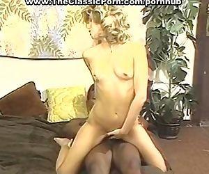 Black dick penetration closeup vid