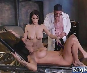 Hardcore Sex Tape Between Sexy Doctor And Slut Horny..