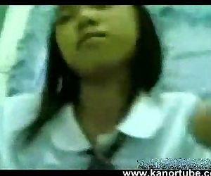 Estudyante Iniyot Habang walang tao sa Bahay -..