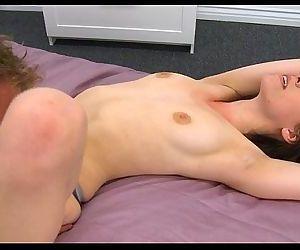 Babe tastes a throbbing knob - 5 min