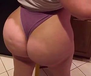 Pawg Marcy Diamond on the bed. lil twerk action. big booty..