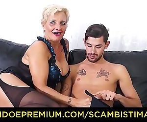 SCAMBISTI MATURIHardcore ass fucking with Italian blonde..