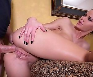 Jessa Rhodes Teaches Anal Sex To Her Friend With Some..