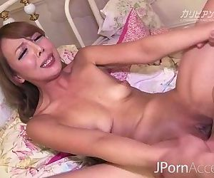 Runa Erotic Japanese Pussy - 10 min HD