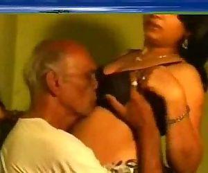 Indian Sex - 1 min 28 sec