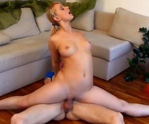 Curvy flexible sex gymnastic