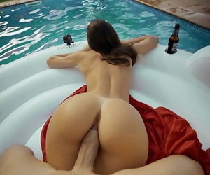 Holiday Sex Tape with my Beautiful Girlfriend - Amateur..
