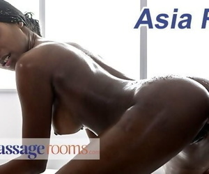 Massage Rooms Gorgeous British Ebony Babe Asia Rae Oil..