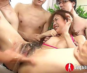 JAPAN HD Cute Japanese Teen cumming and squirting 12 min HD