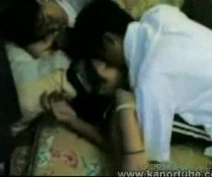 Student Gangbang sa kanyang Classmates - www.kanortube.com..