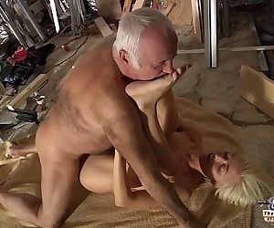 Horny Assistent fucked by old man in old young porn..