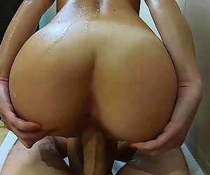 Sensual Sex in the Bathtub ends With Huge Cumshot AMATEUR..