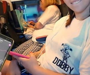 Il Mio Amico Controlla Il Mio Dildo Bluetooth Sul Treno..