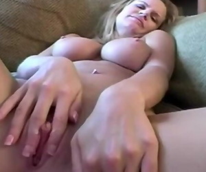 Masturbating Housewife has Sticky Fingers Arousing
