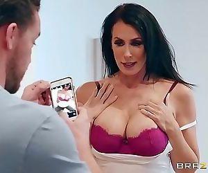 Sending Stepmoms NudesFULL ON ZZERZ.COM 8 min HD