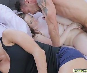 Karlie wakes steppy Rich up with a warm BJ - 6 min