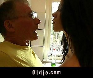 Spoiled young babe fucks the old kitchen aidHD