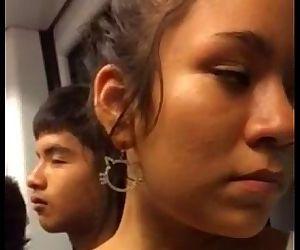 chicas en el metro de Lima - 7 min