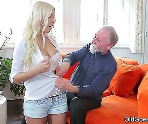 Old Goes YoungSweet blonde comes to her old teacher 7 min HD+