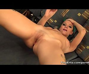 Hot Seductive Girl Does A Hot Solo