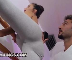 RK Prime(Alyssia Kent, Gerson Denny)Wet Marks The SpotReality Kings 10 min 1080p