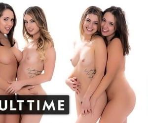 ADULT TIME Kristen Scott & Jenna Sativa -Real, Passionate Lesbian Hookup