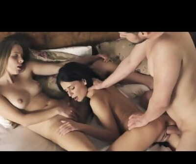 AWESOME THREESOME 2 HOT Teenage CHICKS Climax
