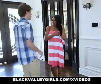 BlackValleyGirlsPeeping Tom Fucked By Cute Black Teen 10 min 720p