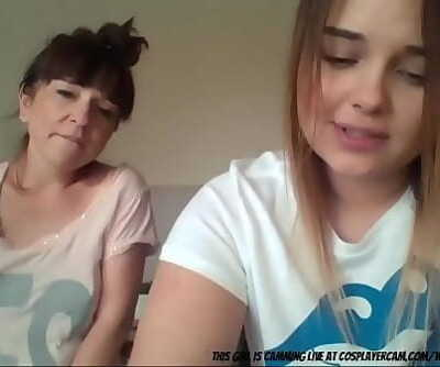 Mom And Daughter On Cam 20 min