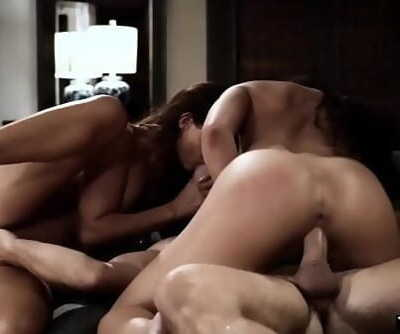 Stepson found out his fresh stepmom Mummy is an hooker 6 min 720p