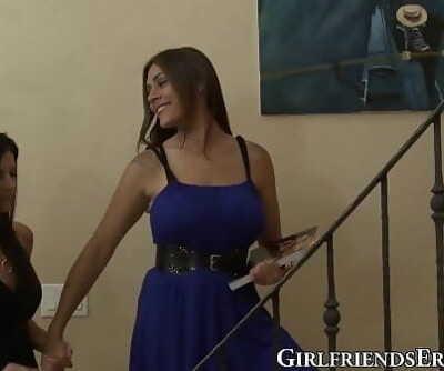 Sensual mature honey India Summer grinds pussies gf 6 min 1080p