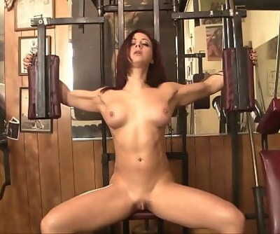 Cool Fit Redhead with a Fantastic Nuts and Huge Clit Masturbates 2 min