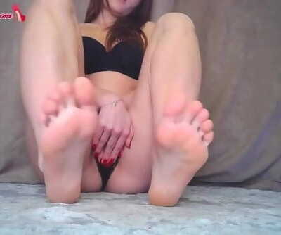 Horny Dark-haired Play Pussy - Sole Fetish Closeup